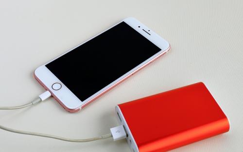 iphone 充電中