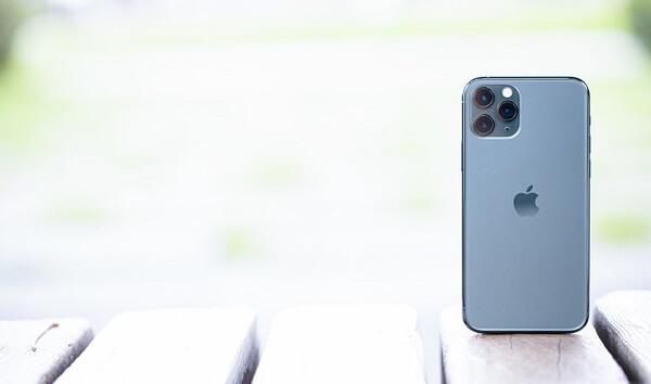 iPhone12(mini/Pro/Pro Max)のサイズ比較!大きさ・重さは?歴代モデルとのサイズ感比較も紹介