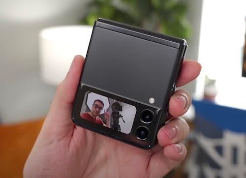 Galaxy Flip3 フロントカメラ